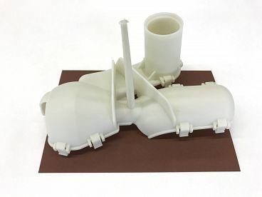 AM plastics brizganje plastike (5)